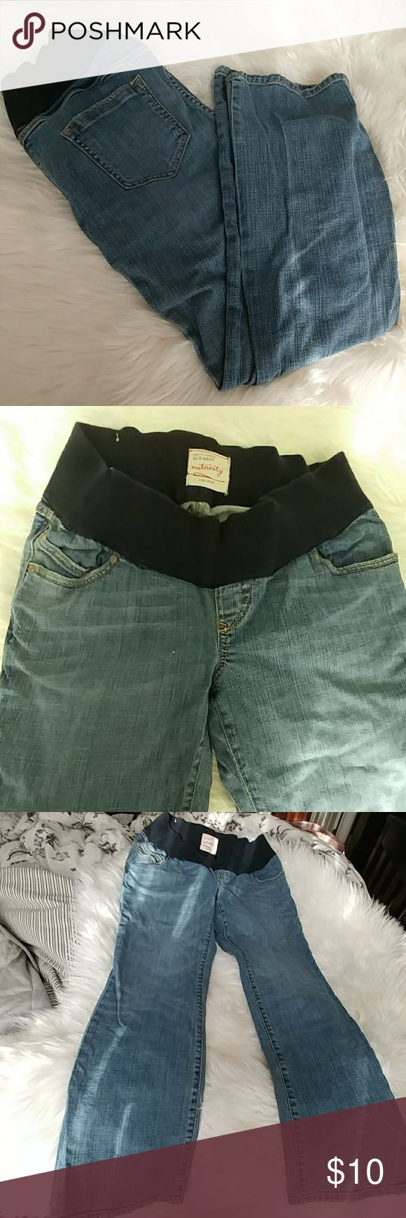 Old Navy Maternity Jeans Size small short. 28 inch inseam. I would consider these boot cut. I think Old Navy runs big because these were huge on me. I'm petite and pre baby size 0.  For reference I'm a small in Jessica Simpson maternity and these were too big. I usually don't shop at Old Navy so I'm not sure on their sizing. Not a size 6 just SMALL. Old Navy Jeans Boot Cut