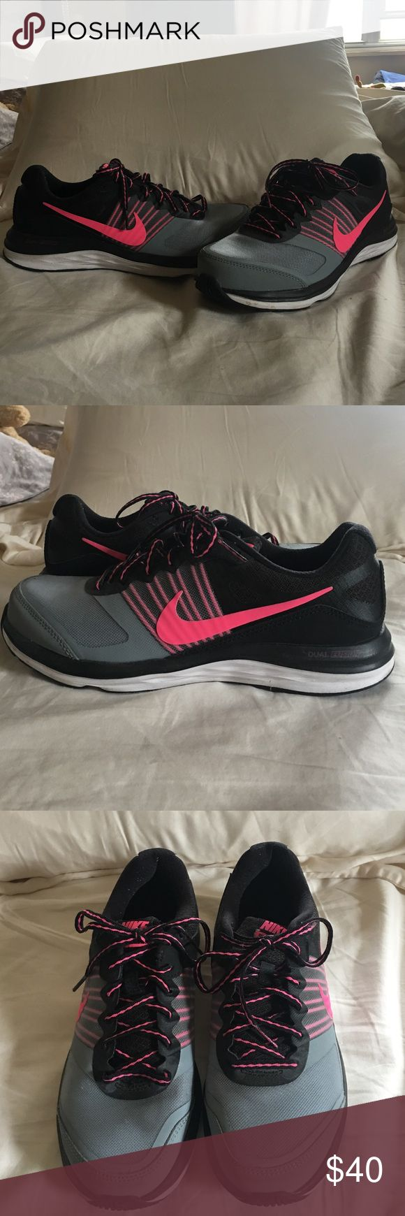 Brand New Nike Dual Fusion X Size 8.5 Nike Dual Fusion X - Like New Size 8.5. Nike Shoes Athletic Shoes