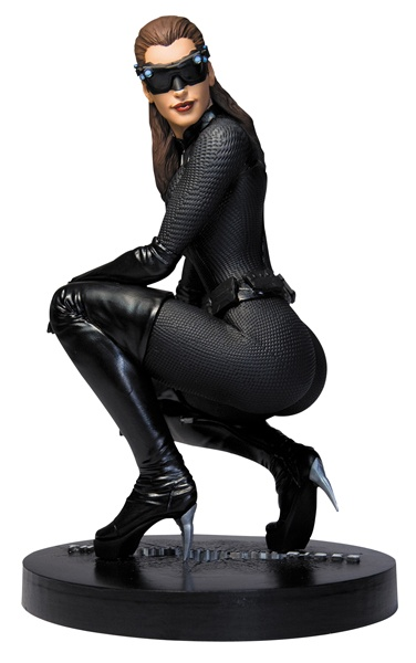 Meeoowww, Anne Hathaway in all her sexy badness...Dark Knight Rises Catwoman 1/6 Scale Icon Statue