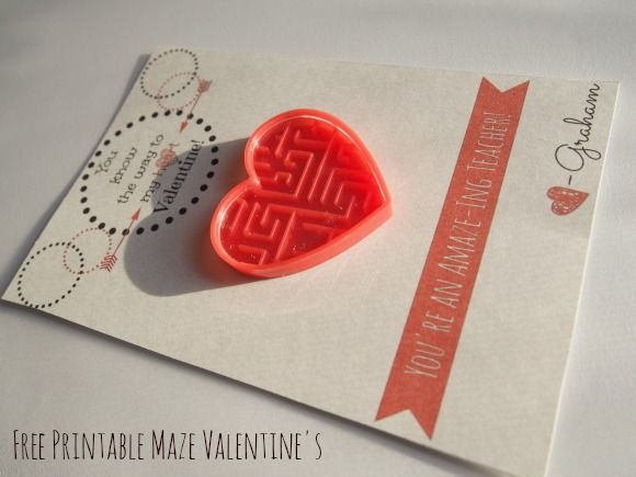 FREE Printable Valentine Card: Maze theme