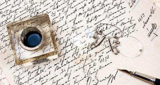 Quattro sassi con…autori contemporanei in 4 poesie: Roberto Bertoldo . https://ilsassonellostagno.wordpress.com/2016/12/13/quattro-sassi-con-autori-contemporanei-in-4-poesie-roberto-bertoldo/