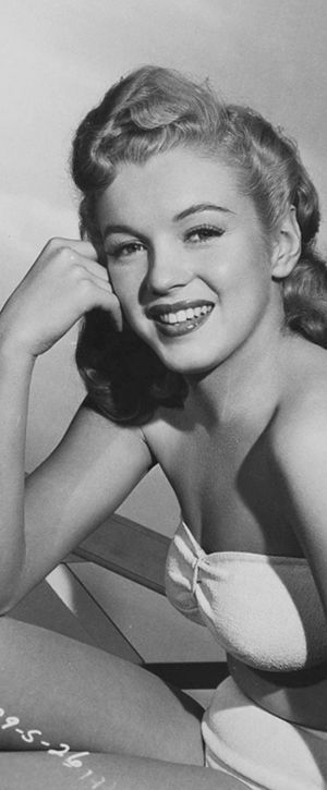 1947: Marilyn Monroe – Norma Jeane – various photo shoots …. #1940s