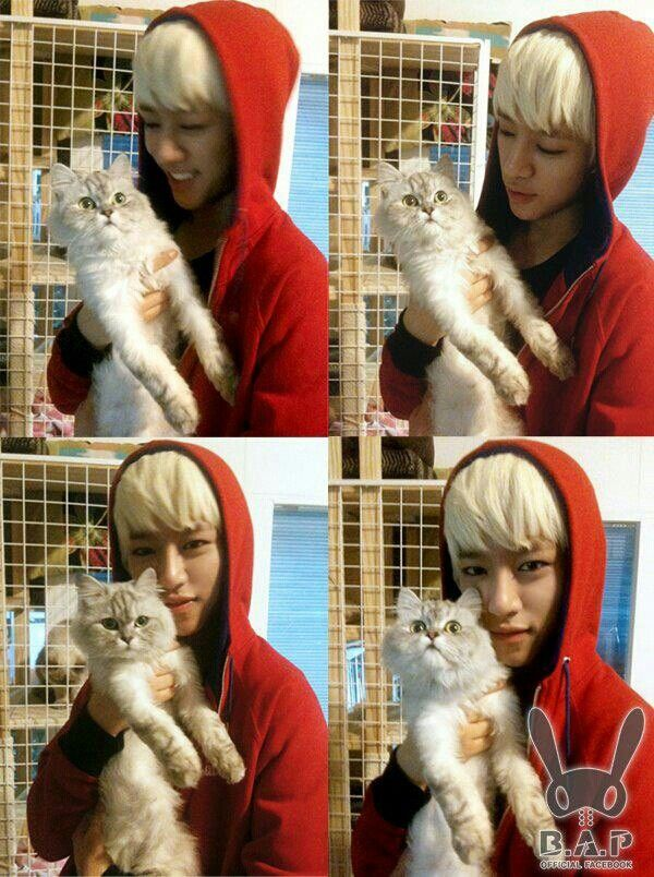 Deahyun and the cat.. adorable *-*