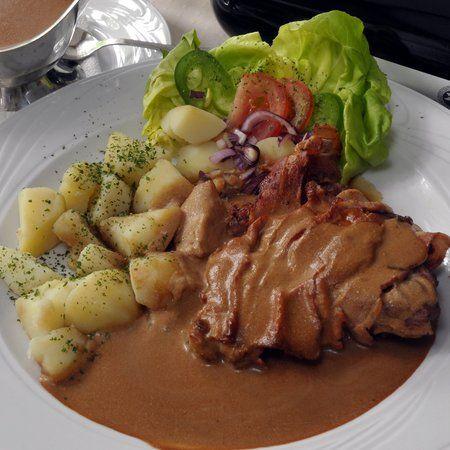 Egy finom Őzcomb pikáns mártással ebédre vagy vacsorára? Őzcomb pikáns mártással Receptek a Mindmegette.hu Recept gyűjteményében!