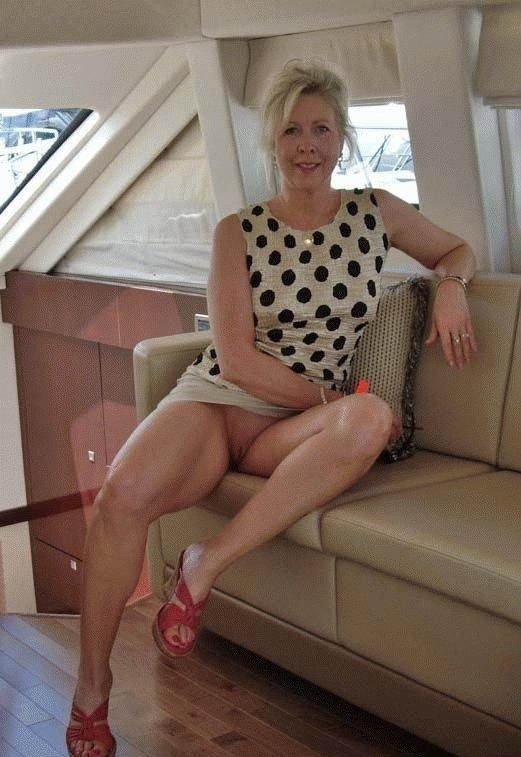 Sexy older amatuer mature women 13