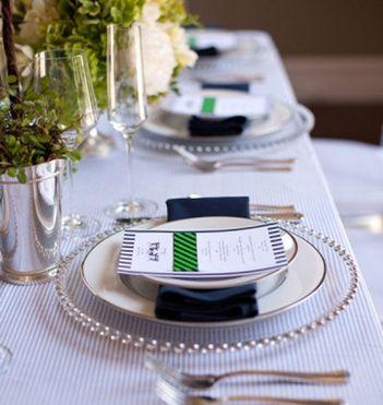 Seersucker Wedding: Seersucker Wedding Table Setting #PreppyPlanner
