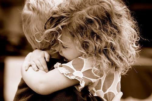 """""""Ci sono giorni pieni di vento, ci sono giorni pieni di rabbia, ci sono giorni pieni di lacrime, e poi ci sono giorni pieni d'amore che ti danno il coraggio di andare avanti per tutti gli altri giorni."""" Romano Battaglia"""