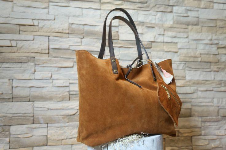 Modello #shopper reversibile: camoscio e #canvas dipinto. #bags #art #moda #design