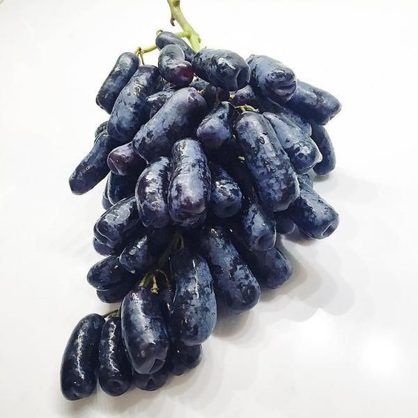 Non-GMO Moon Drop Grapes