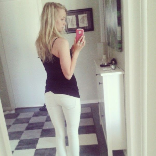 #White #Jeans #outfit #blonde #hair