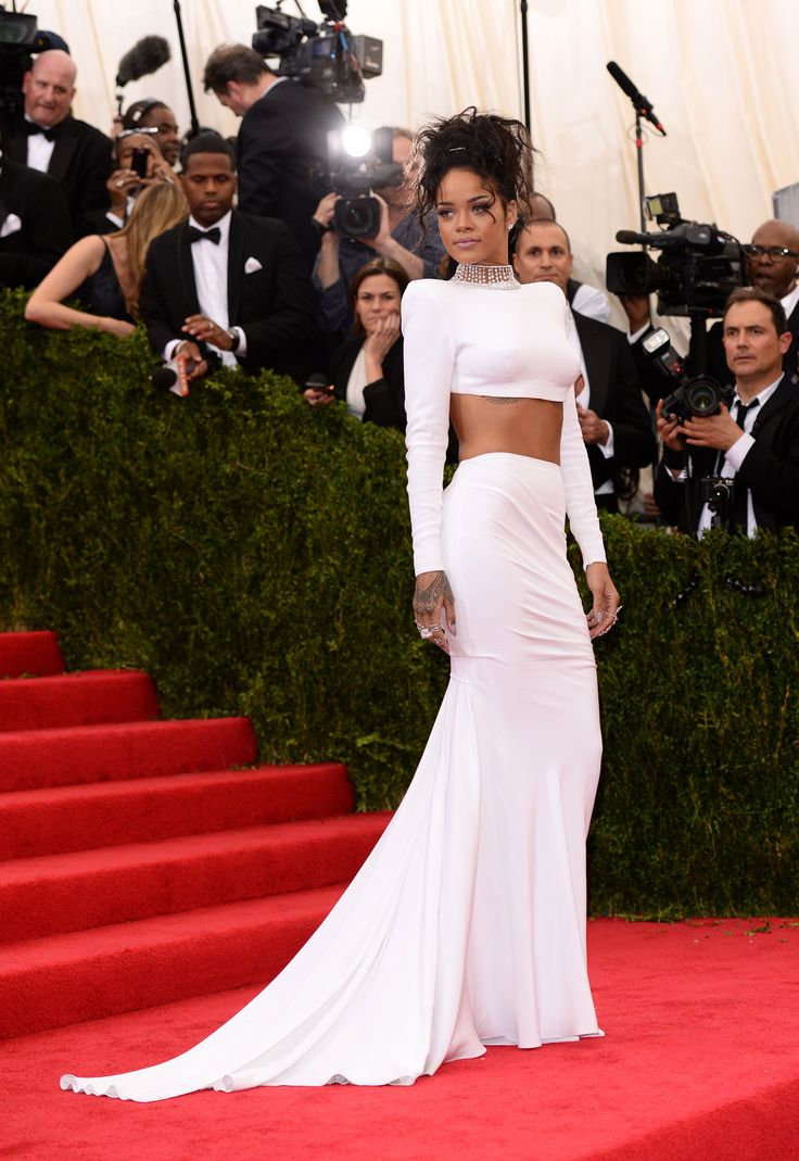 Rhianna in Stella McCartney at the 2014 Met Gala | Getty Images | Blog.theknot.com my fav red carpet look of hers