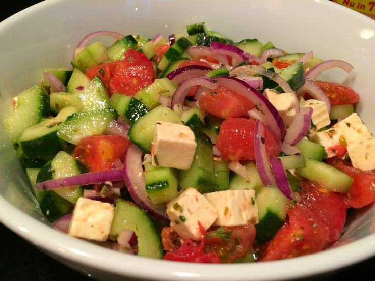 Lekker eten met Marlon: Griekse salade met tomaten, komkommer, witte kaas ...