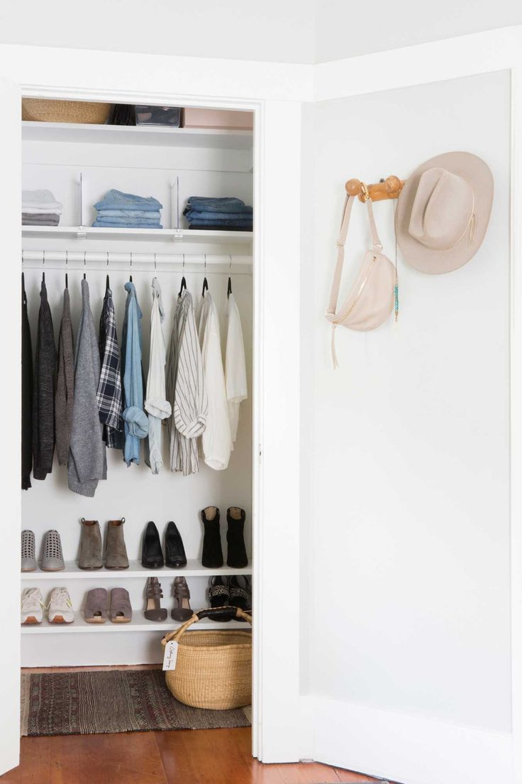 Best 25 minimalist closet ideas on pinterest minimalist wardrobe bed room and closet basics - Small space bags ideas ...