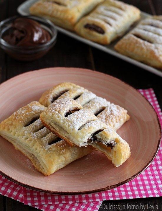 Saccottini di pasta sfoglia e nutella Dulcisss in forno by Leyla