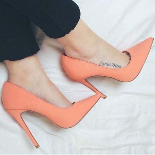 Dicionário dos sapatos: scarpins ou stilettos