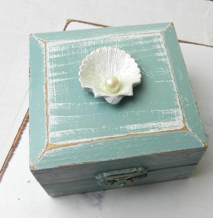 Shabby Chic Vintage Pearl Seashell Box Dis