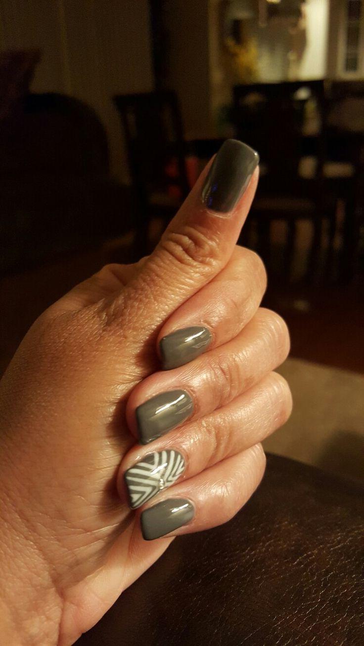 Gray liquid gel nails