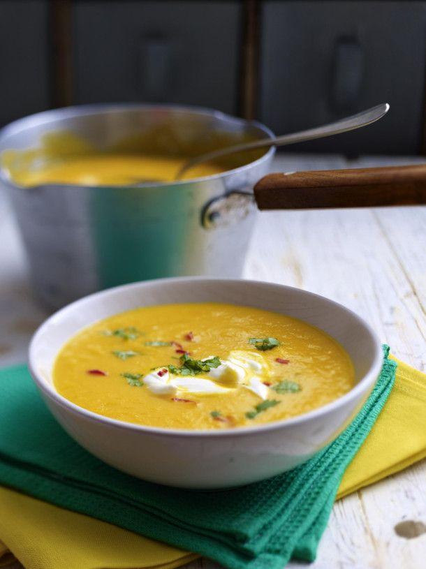 Unser beliebtes Rezept für Möhren-Orangen-Suppe mit Ingwer und mehr als 55.000 weitere kostenlose Rezepte auf LECKER.de.