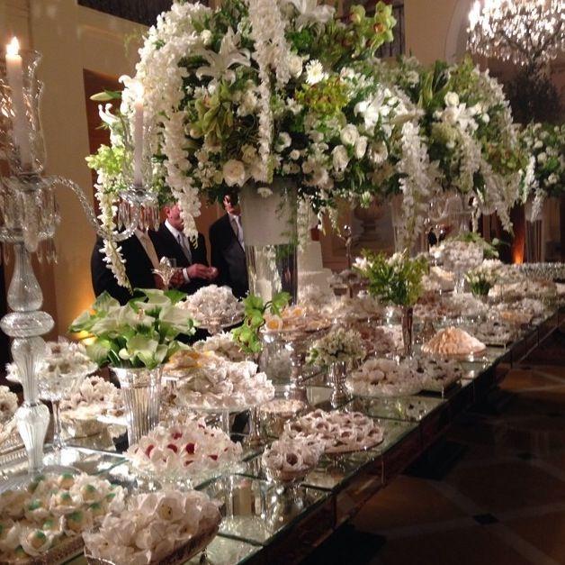 Mesa de doces prata