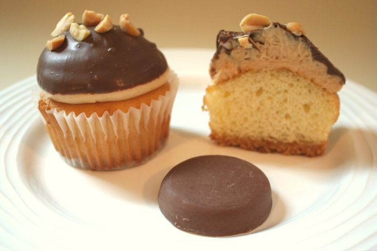 Girl Scout cookie cupcakes - Peanut Butter Patties - could I turn this ...