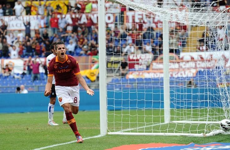 Erik Lamela opens the scoring. ROMA v. ATALANTA (2-0) Oct 7, 2012