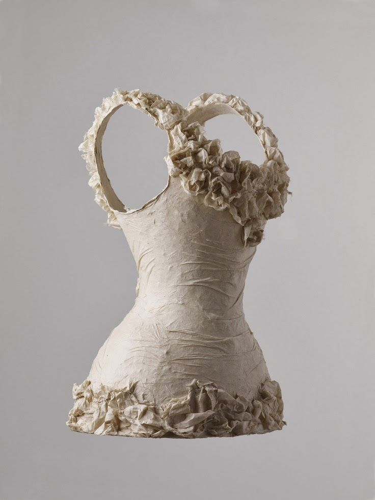 Papier in de herkansing: Papieren kleding, Susan Cutts
