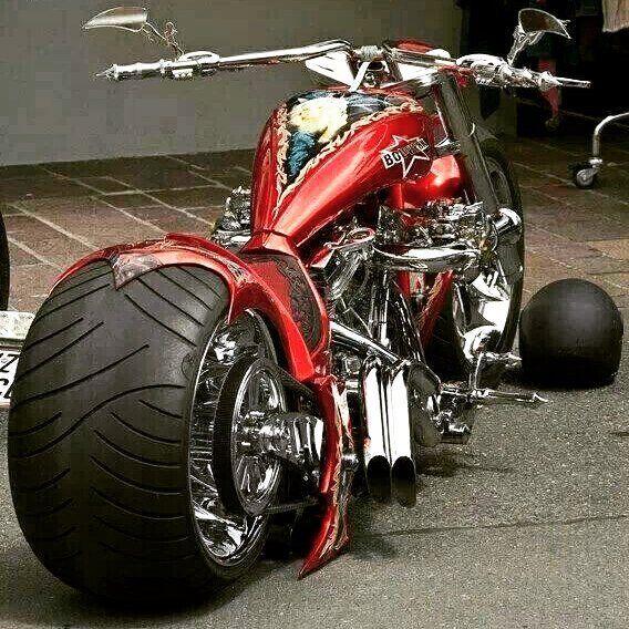 #motoron #motor_in #motosiklet #yamaha #honda #kawasaki #suzuki #bmw #ducati #aprilia  #vespa #superbike #motogp #enduro #motocross #ride #tişört #sweatshirt #erkekgiyim #sporgiyim #kirmizigaraj #turkishriders #turkeyspeedteam #caferacer #repsol #redbull #fb