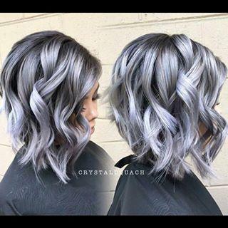 ¿Te apuntas a esta sorprendente tendencia? ¡El granny hair triunfa en el mundo de la coloración capilar!