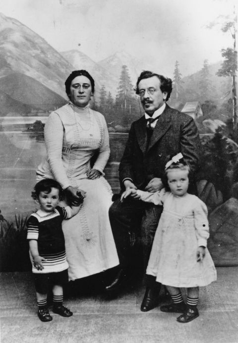 The Landau Family. Lev Landau is the child on the left.