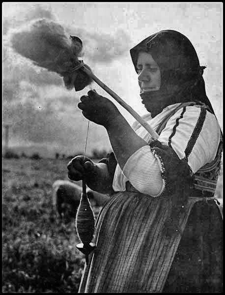 Ο Δημήτρης Λέτσιος (Ανακασιά 1910 - Ανακασιά 2008) είναι μια από τις σημαντικότερες μορφές στη μεταπολεμική ελληνική φωτογραφία. Με έδρ...