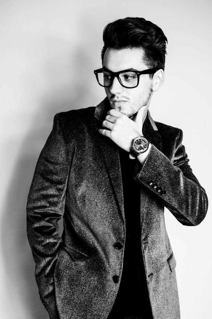 22 best Best Poses for Men images on Pinterest | Senior ...