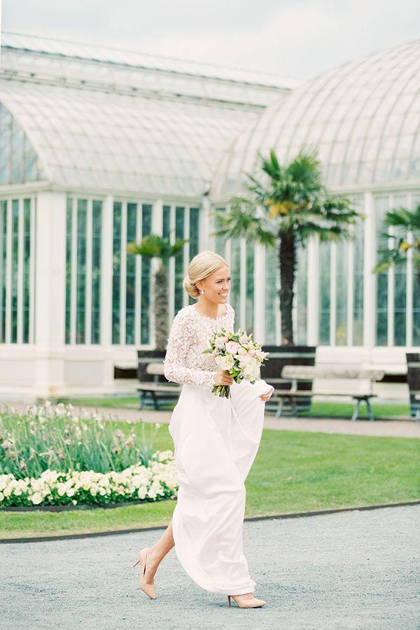 My wedding / Mitt bröllop. Wedding dress long sleeve. Instagram/annaorneblad Photograpghy: Erika Gerdemark