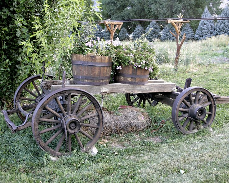 If you're into country style looking scenery, then this rustic garden wagons page will inspire you to add a great look to your garden or backyard.