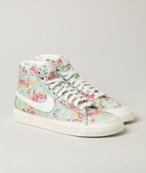 sneaker nike floral