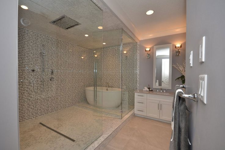 10MM Glass encloses the wet room - shower and tub!