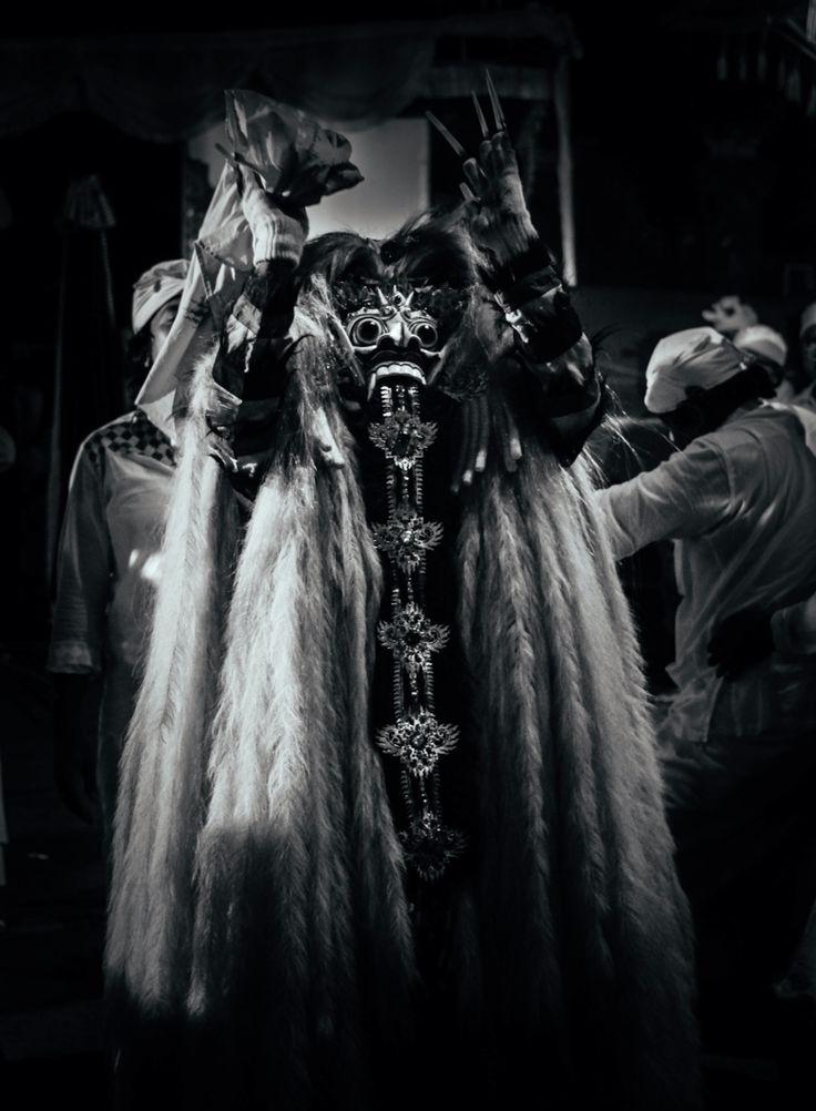 Ratu Ayu Calonarang Pura Dalem Sumerta