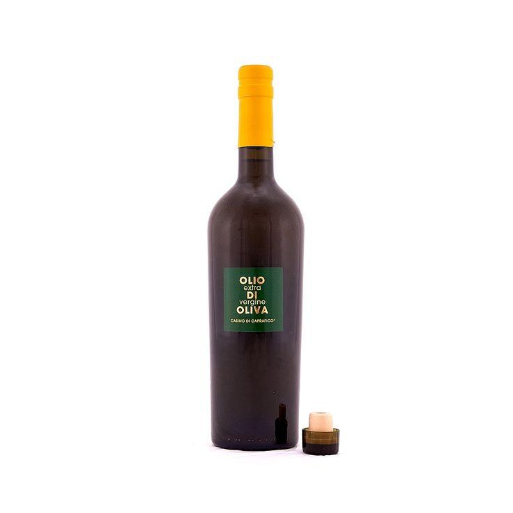 L' #olio #extravergine d' #oliva di #Casino di #Caprafico è ottenuto dalla spremitura a freddo di olive dei #cultivar #Gentile di #Chieti, #Intosso e #Leccino, raccolte a mano e lavorate secondo la tradizione locale, e non è filtrato. Dal sapore leggermente amaro e piccante e dall'aroma fruttato, ha una bassissima acidità, è prodotto in un piccolo paradiso dell' #Abruzzo sulle #Piane di #Guardiagrele.