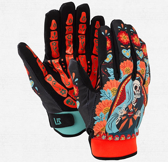 How neat are those? Dia Muerte Spectre Snowboarding Gloves by Burton