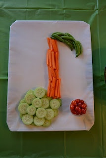 How do you get kids to eat their vegetables? Shape them into music notes! This would be fun to serve at a studio piano party