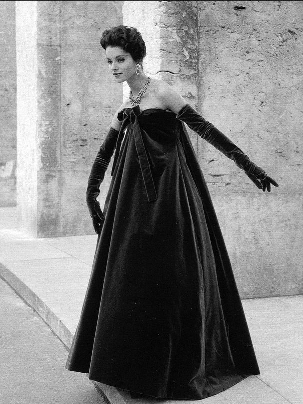 1958 - Svetlana in velvet evening gown and opera-length gloves by Yves Saint Laurent for Dior, photo Willy Maywald, 1958