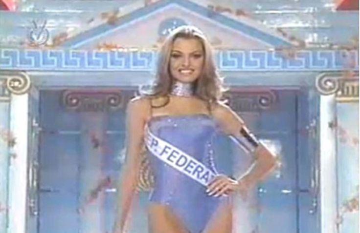 Marjorie de Sousa, Miss Dependencias Federales, en el Miss Venezuela 1999 by Antoni Azocar..