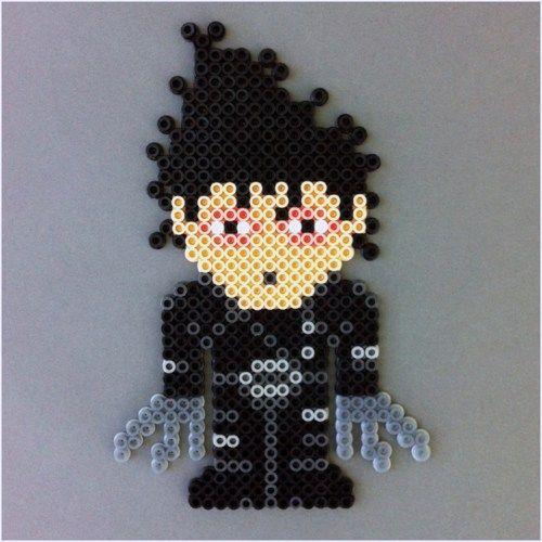 Edward Scissorhands Perler Bead Magnet, Johnny Depp http://craftysupermarket.wordpress.com/2013-holiday-crafters/