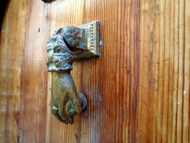 Unique Knocker On A Wooden Door Casbah Algiers Beautiful Algerian Doors Knockers صور جميلة جدا لأبواب جزائرية عتيقة Turen Leuchtende Farben Und Verzie