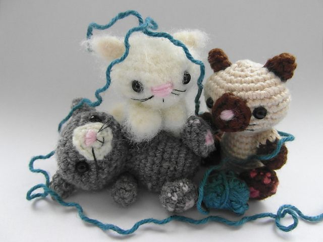 Ravelry: Box of Kittens pattern by Justyna Kacprzak