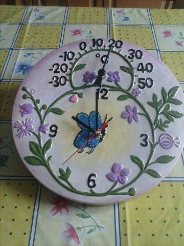 Da una nostra cliente molto creativa ;) #dmail http://www.dmail.it/prodotto/210564/Orologio-termometro-per-esterno-in-terracotta.html