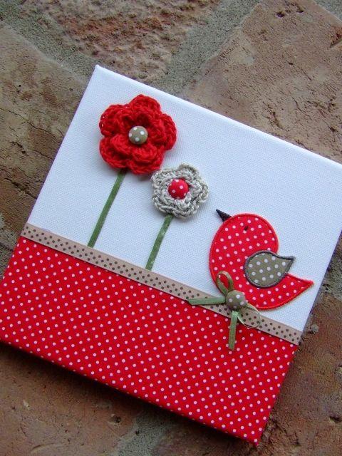 Cuadro con flores de ganchillo y tela