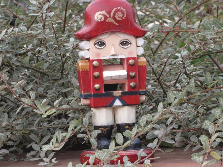 """Купить Рождественская игрушка """"Щелкунчик"""" из зимней коллекции """"Мой зеленый Но - ярко-красный, щелкунчик"""
