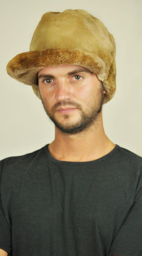 Cappello in castoro con visiera http://www.amifur.com