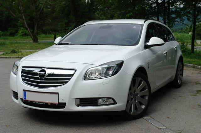 Opel Insignia Sports Tourer Cosmo CDTI Automatik - my white beauty