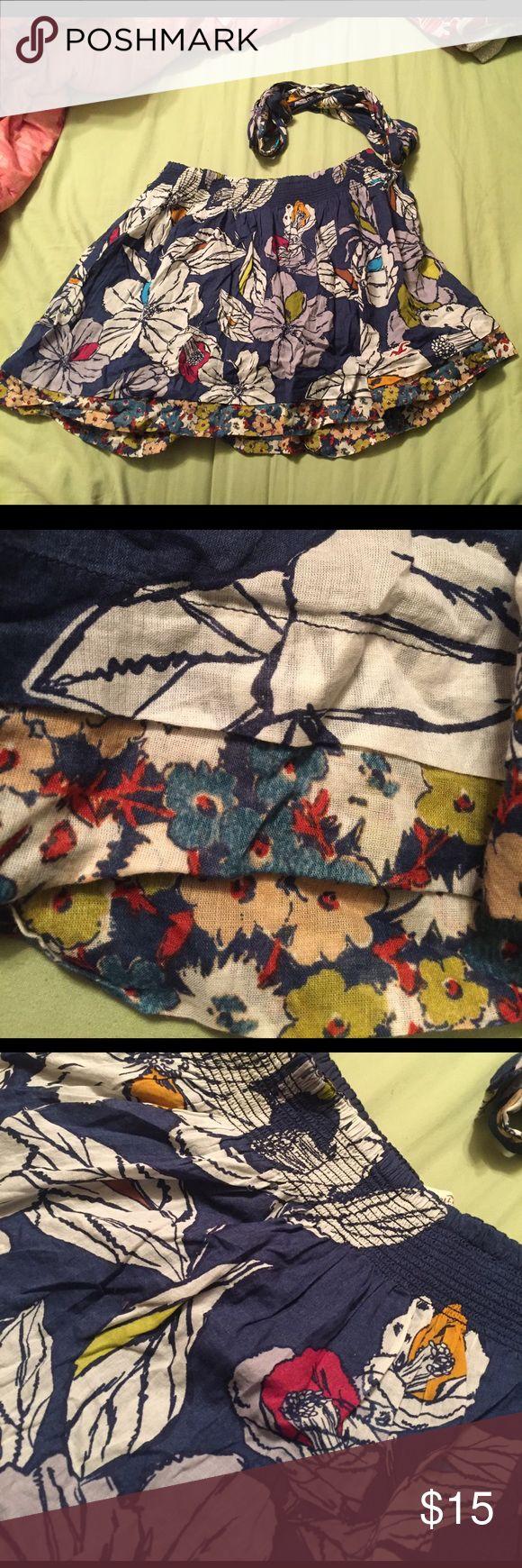 Large Hollister Skirt floral print Large Hollister Skirt with a floral print. Comes with matching fabric belt and elastic waist band. 100% Cotton. Hollister Skirts Mini